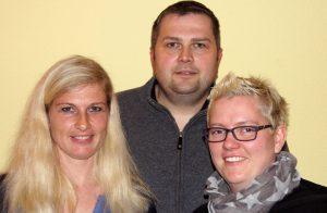 Katja Peters, Nina Jensen (v.l) und Henning Gömer sind das OrgaTeam für den Dorfflohmarkt 2016